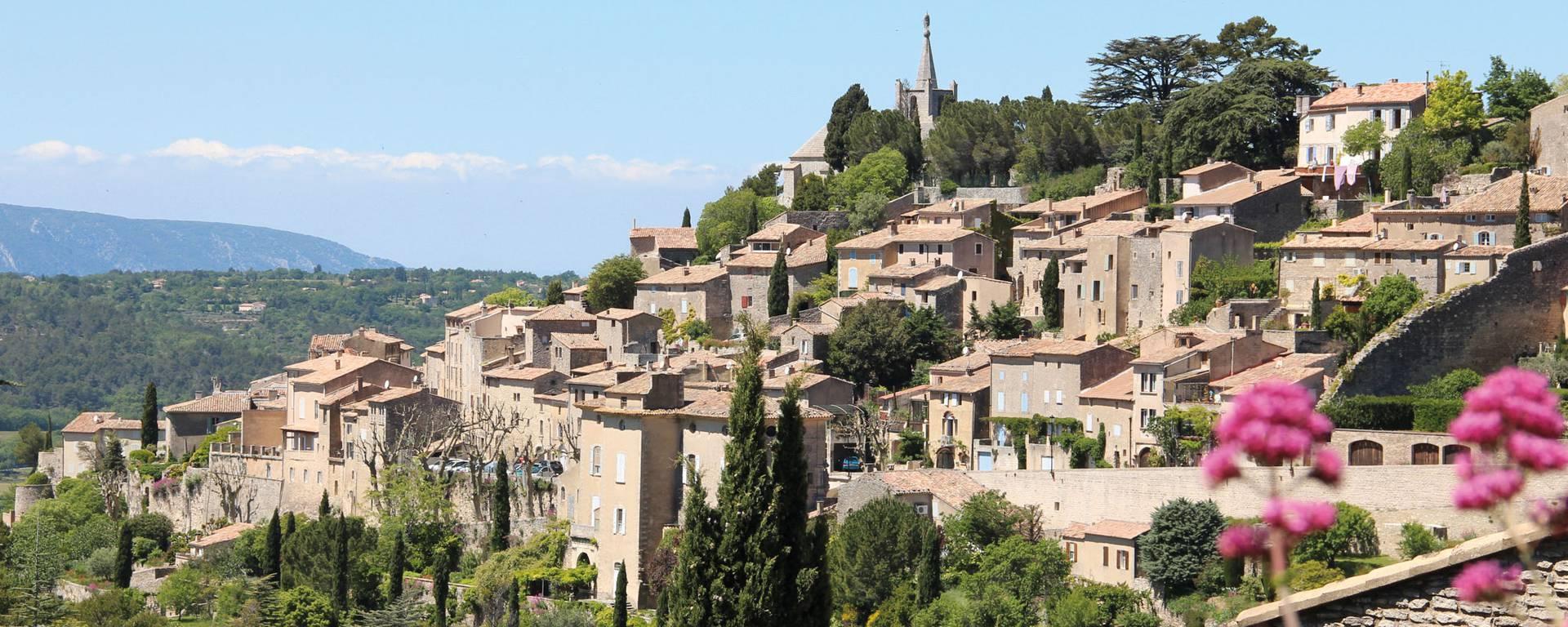 Bonnieux   Village perché