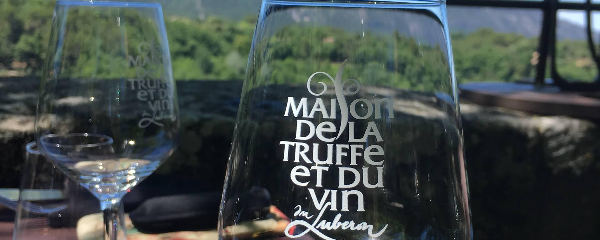 Ménerbes Maison de la truffet et du vin luberon pays d'Apt