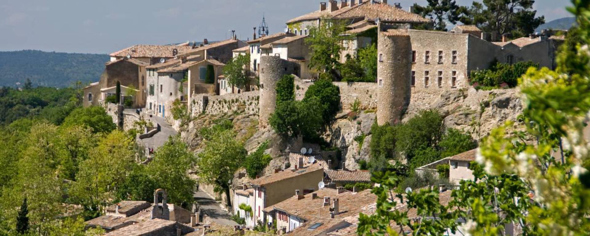 Ménerbes   Village perché   Patrimoine   Luberon