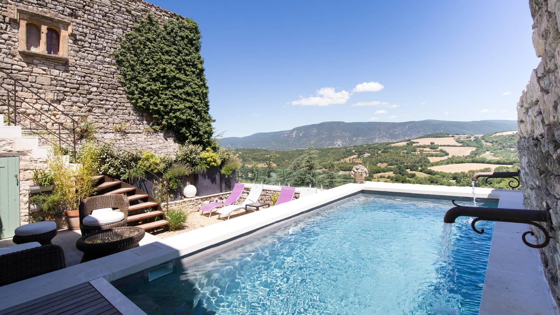 Chambres d'hôtes | La Bastide de Caseneuve | Piscine | Vue