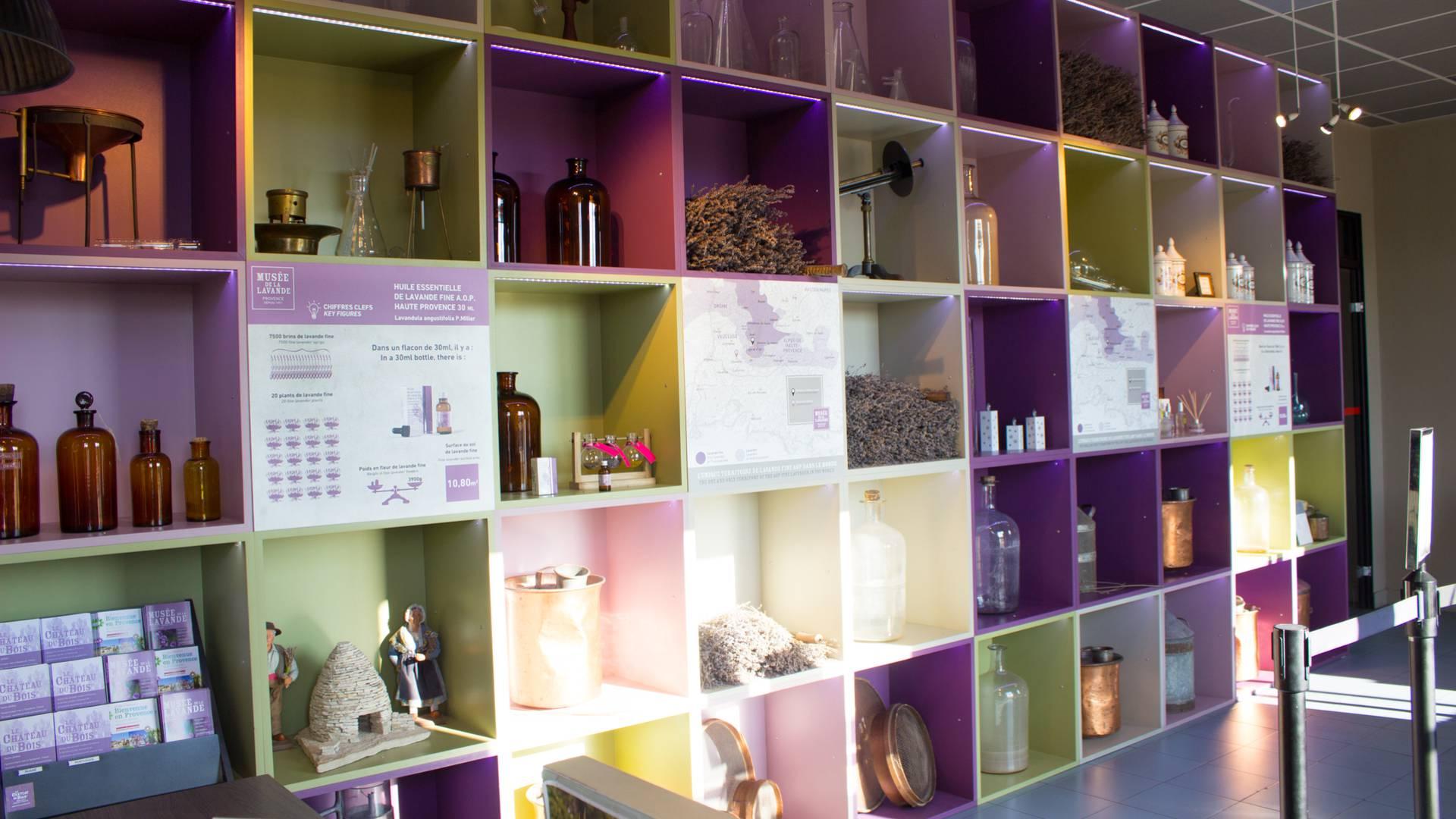 Luberon | Provence | Floraison de la lavande | Lavande | Champs de lavande | Senteurs de Provence | Lavandins