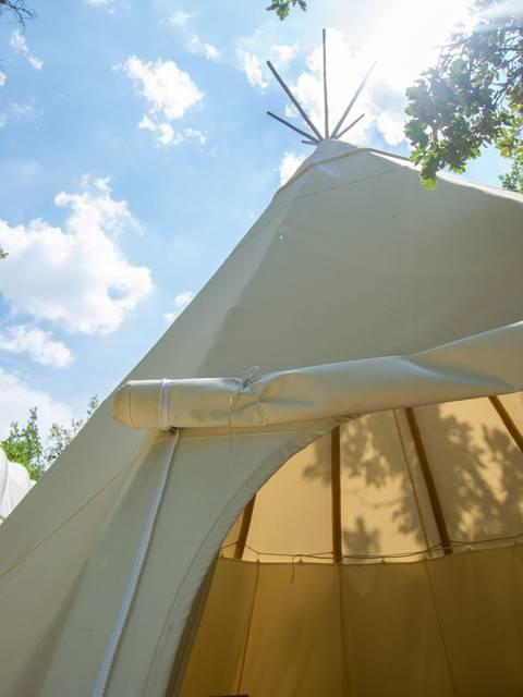 Tipi   Camping   Hébergement insolite