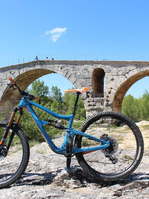Véloroute du Calavon | Pont Julien