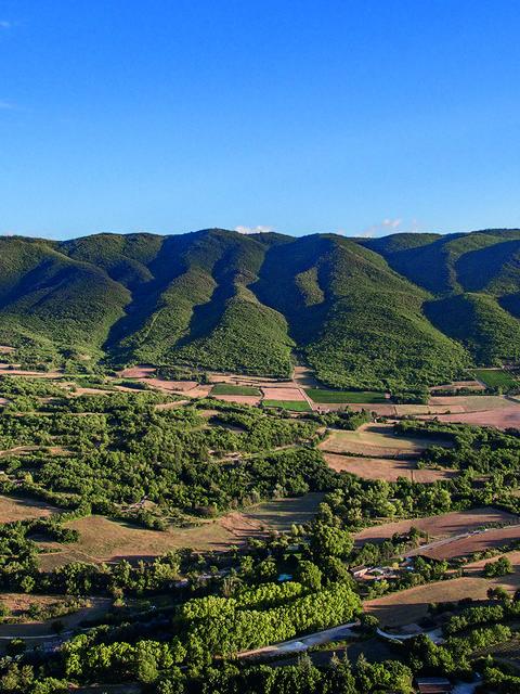 Luberon |Apt |Montagne | Relief | Massif du Luberon | Colline