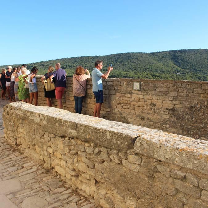 Visites guidées du village perché du Luberon à Bonnieux