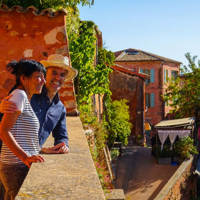 Roussillon |Plus beaux village de France | Maison | Façades colorées | Village | Couple
