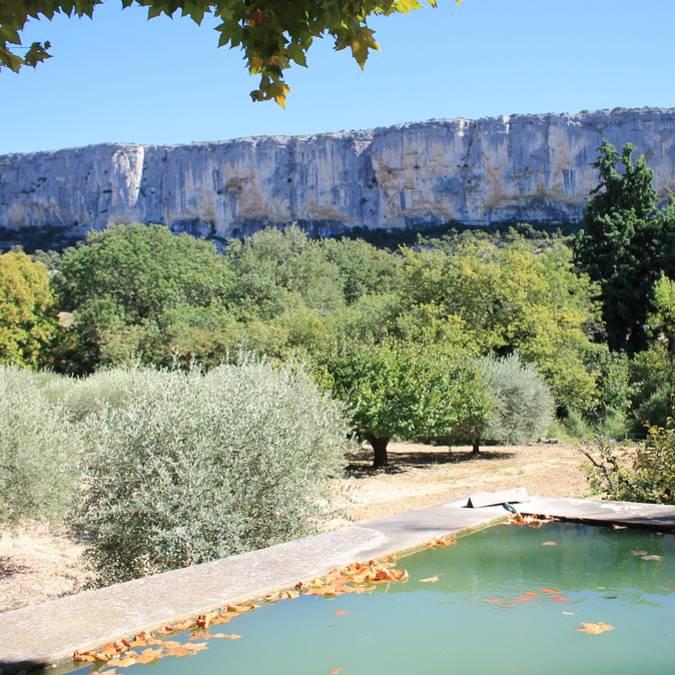 Lioux, falaises de la Madelaine