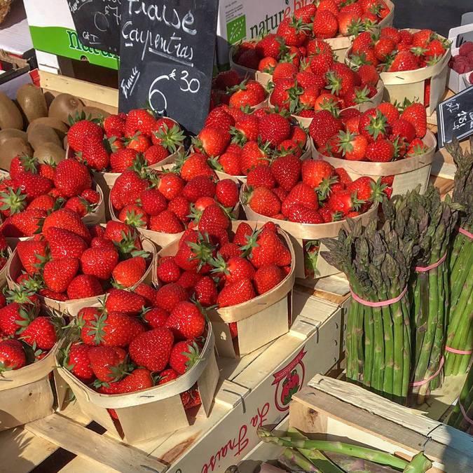 Marché provençal du Luberon | Fraises | Variétés | Étal