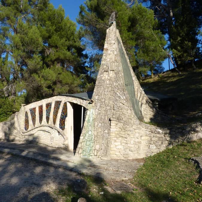 chapelle | pierre | insolite | Santonne